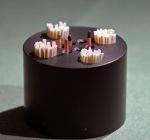 Vollbestückter Papierspitzenständer